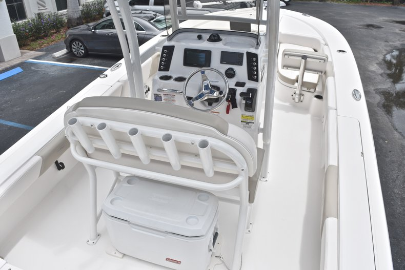 Thumbnail 10 for Used 2017 Robalo 246 Cayman boat for sale in West Palm Beach, FL