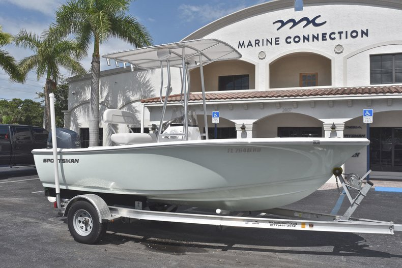 Thumbnail 6 for Used 2016 Sportsman 17 Island Reef boat for sale in West Palm Beach, FL