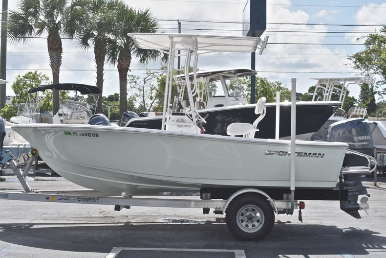 Thumbnail 3 for Used 2016 Sportsman 17 Island Reef boat for sale in West Palm Beach, FL