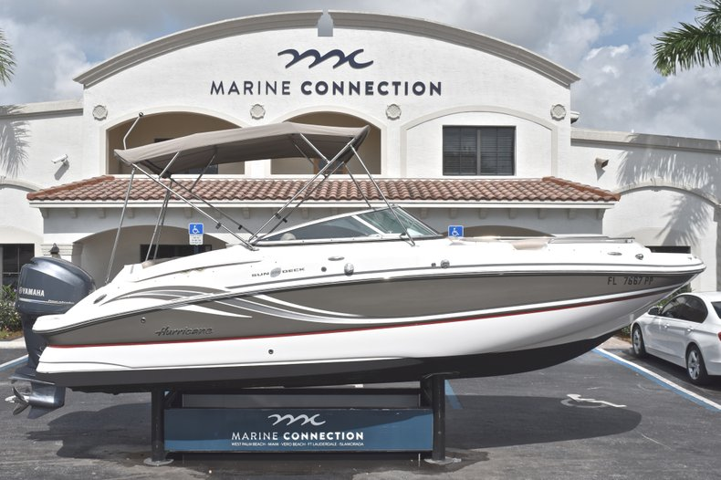 Used 2014 Hurricane SunDeck SD 2400 OB boat for sale in West Palm Beach, FL