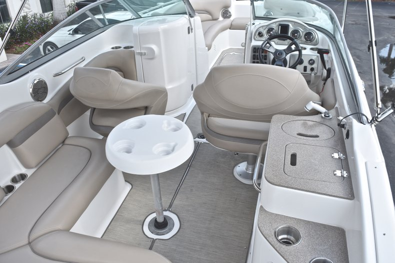 Thumbnail 8 for Used 2014 Hurricane SunDeck SD 2400 OB boat for sale in West Palm Beach, FL