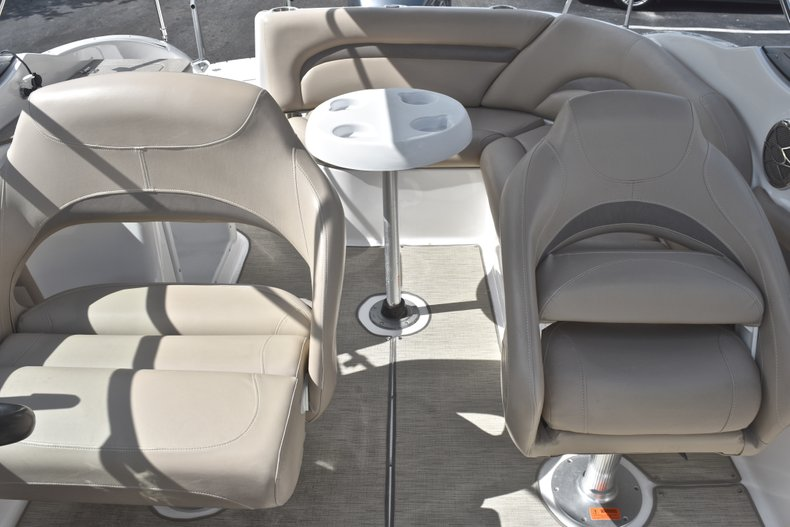 Thumbnail 9 for Used 2014 Hurricane SunDeck SD 2400 OB boat for sale in West Palm Beach, FL