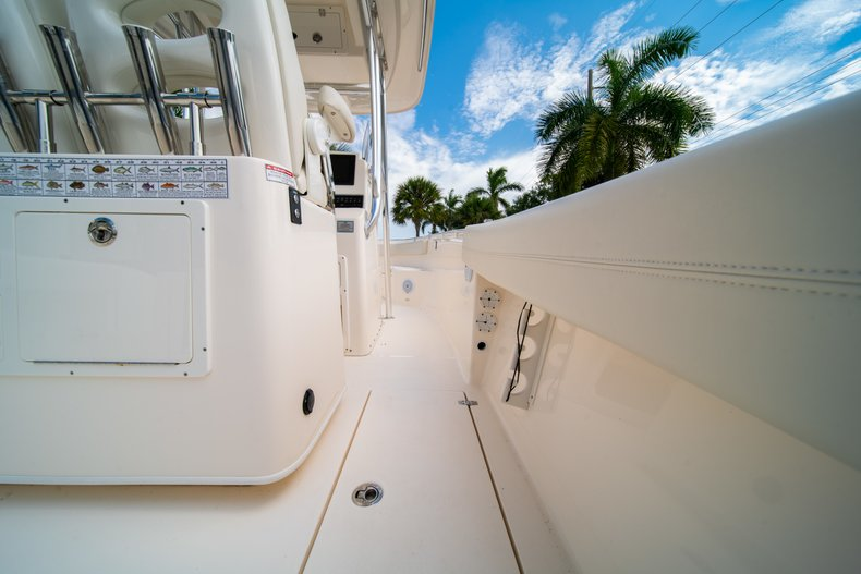 Thumbnail 13 for Used 2018 Cobia 277 Center Console boat for sale in West Palm Beach, FL
