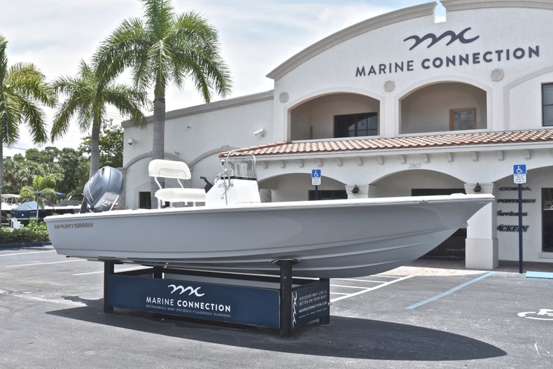 Thumbnail 1 for New 2018 Sportsman 20 Island Bay boat for sale in West Palm Beach, FL