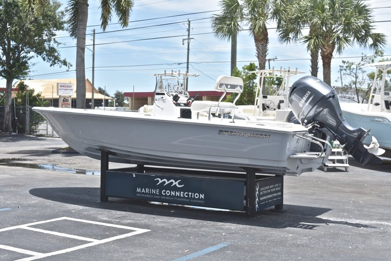 Thumbnail 5 for New 2018 Sportsman 20 Island Bay boat for sale in West Palm Beach, FL