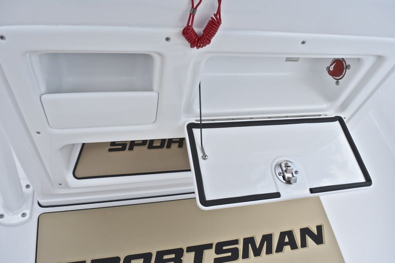 Thumbnail 38 for New 2019 Sportsman Heritage 211 Center Console boat for sale in West Palm Beach, FL