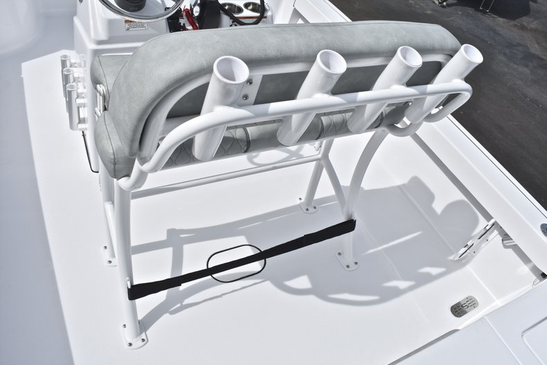Thumbnail 20 for New 2019 Sportsman Masters 207 Bay Boat boat for sale in Miami, FL