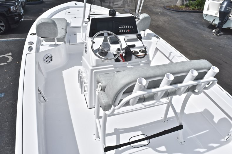 Thumbnail 8 for New 2019 Sportsman Masters 207 Bay Boat boat for sale in Vero Beach, FL