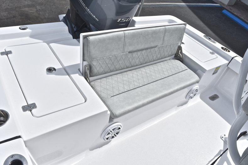 Thumbnail 14 for New 2019 Sportsman Masters 207 Bay Boat boat for sale in Miami, FL