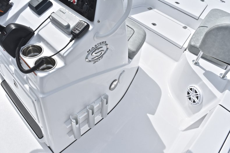 Thumbnail 34 for New 2019 Sportsman Masters 207 Bay Boat boat for sale in Miami, FL