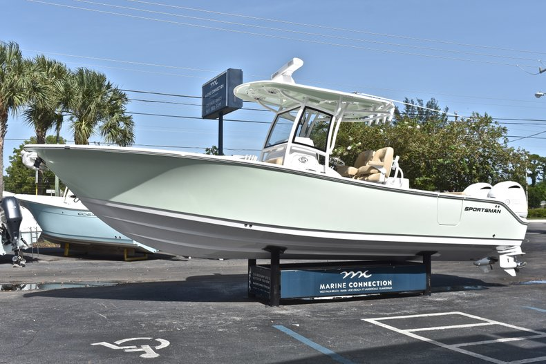 Thumbnail 3 for New 2019 Sportsman Open 282 Center Console boat for sale in Miami, FL