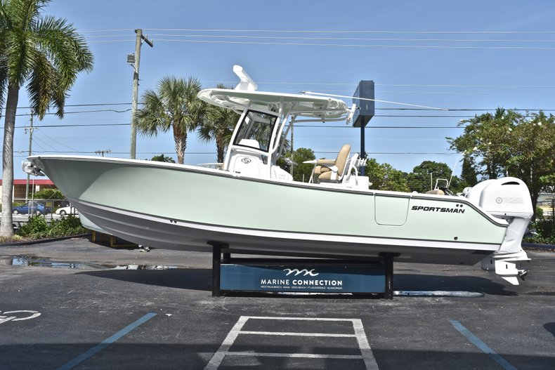 Thumbnail 4 for New 2019 Sportsman Open 282 Center Console boat for sale in Miami, FL
