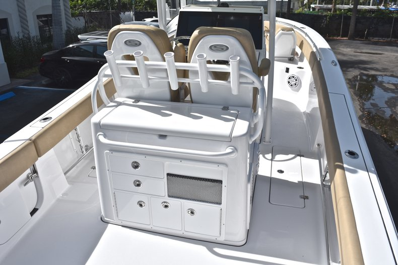 Thumbnail 8 for New 2019 Sportsman Open 282 Center Console boat for sale in West Palm Beach, FL