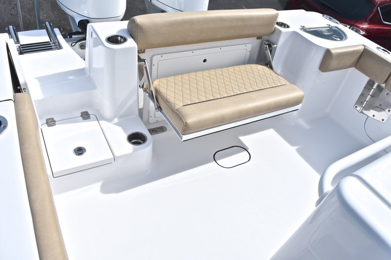 Thumbnail 12 for New 2019 Sportsman Open 282 Center Console boat for sale in West Palm Beach, FL
