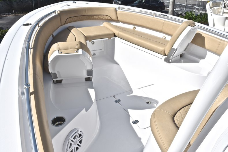 Thumbnail 53 for New 2019 Sportsman Open 282 Center Console boat for sale in Miami, FL