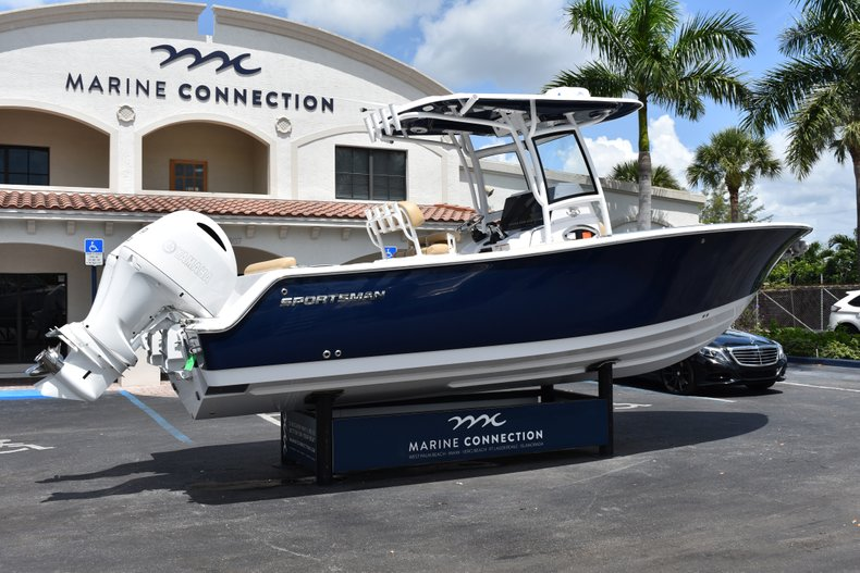 Thumbnail 7 for New 2019 Sportsman Heritage 251 Center Console boat for sale in West Palm Beach, FL