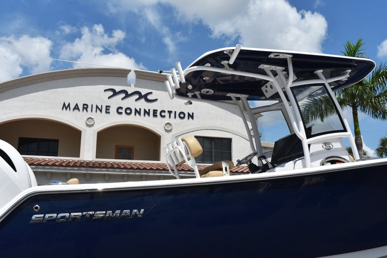 Thumbnail 8 for New 2019 Sportsman Heritage 251 Center Console boat for sale in West Palm Beach, FL