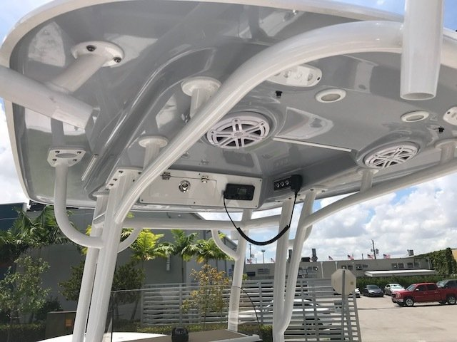 Thumbnail 7 for New 2019 Sportsman Open 242 Center Console boat for sale in Miami, FL
