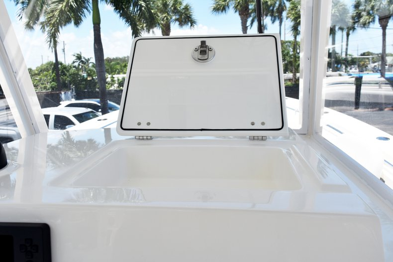 Thumbnail 44 for New 2019 Cobia 301 CC Center Console boat for sale in West Palm Beach, FL