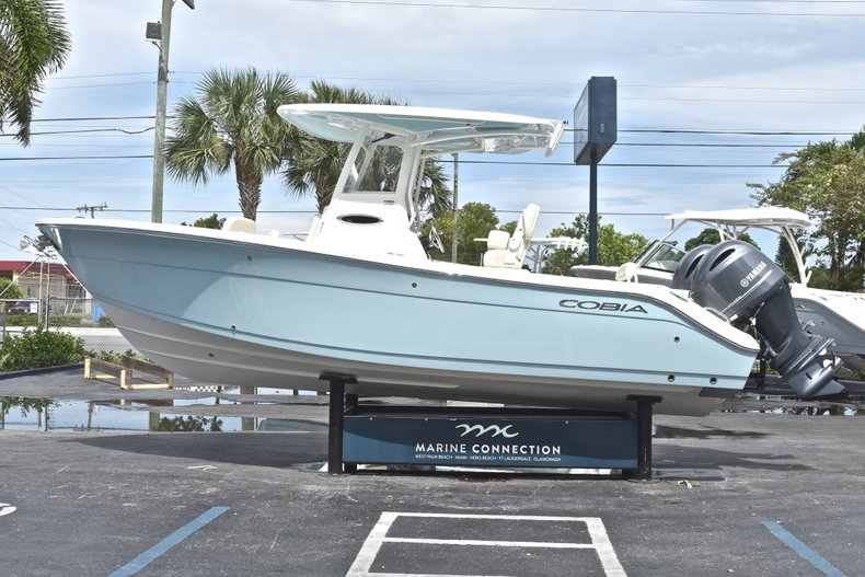 Thumbnail 5 for New 2019 Cobia 240 CC Center Console boat for sale in West Palm Beach, FL