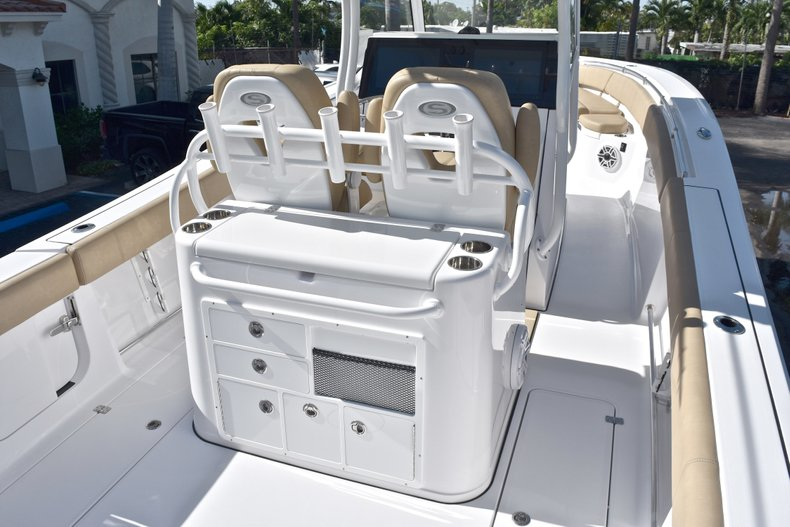 Thumbnail 12 for New 2019 Sportsman Open 312 Center Console boat for sale in West Palm Beach, FL