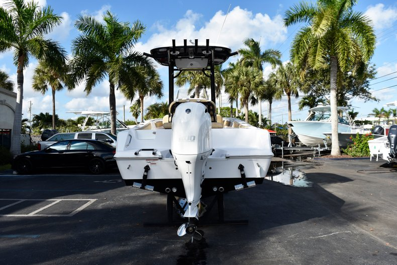 Thumbnail 6 for New 2019 Sportsman Open 212 Center Console boat for sale in Miami, FL