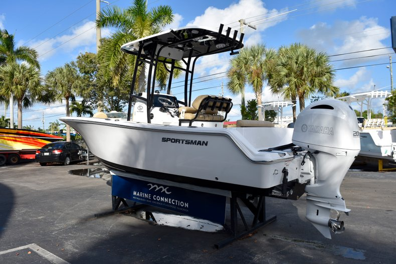 Thumbnail 5 for New 2019 Sportsman Open 212 Center Console boat for sale in Miami, FL