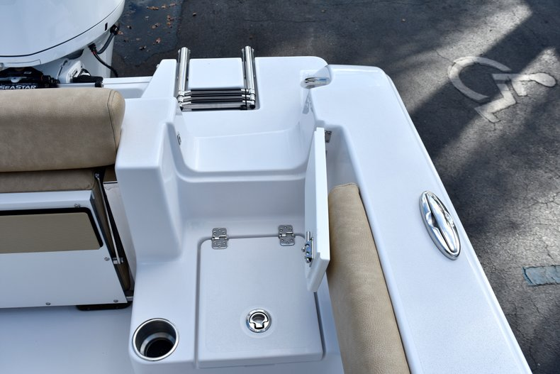 Thumbnail 17 for New 2019 Sportsman Open 212 Center Console boat for sale in Miami, FL