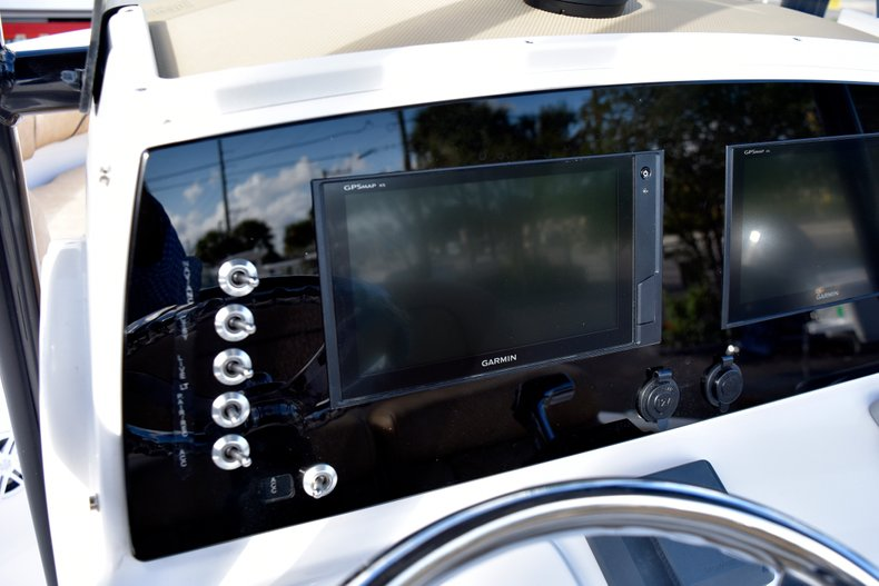 Thumbnail 31 for New 2019 Sportsman Open 212 Center Console boat for sale in Miami, FL