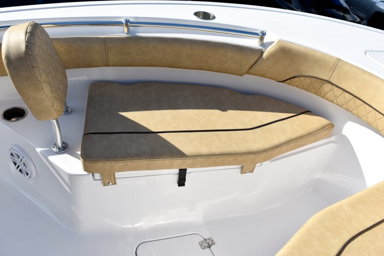 Thumbnail 49 for New 2019 Sportsman Open 212 Center Console boat for sale in Miami, FL
