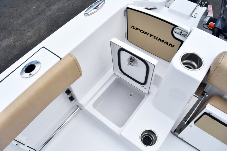 Thumbnail 17 for New 2019 Sportsman Open 282 Center Console boat for sale in West Palm Beach, FL