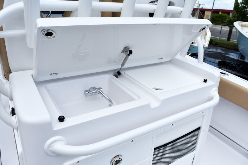 Thumbnail 31 for New 2019 Sportsman Open 282 Center Console boat for sale in West Palm Beach, FL