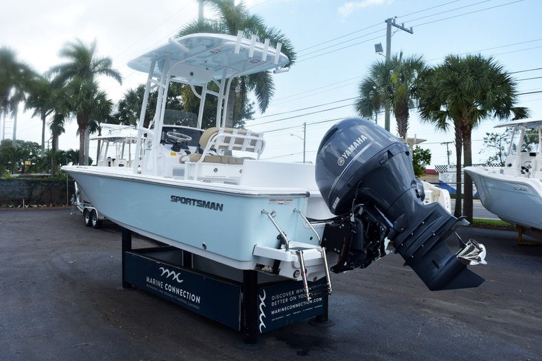 Thumbnail 4 for New 2019 Sportsman Masters 227 Bay Boat boat for sale in West Palm Beach, FL