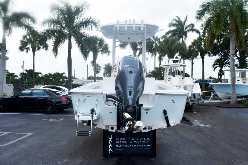 Thumbnail 5 for New 2019 Sportsman Masters 227 Bay Boat boat for sale in West Palm Beach, FL