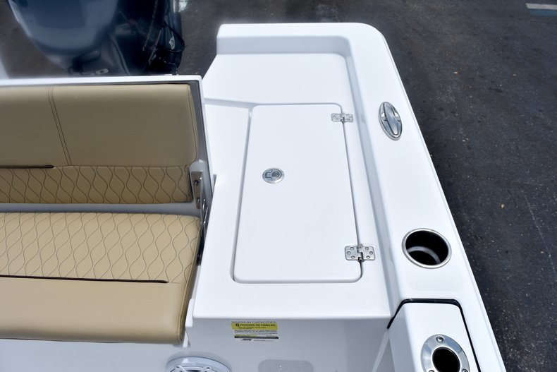 Thumbnail 12 for New 2019 Sportsman Masters 227 Bay Boat boat for sale in West Palm Beach, FL