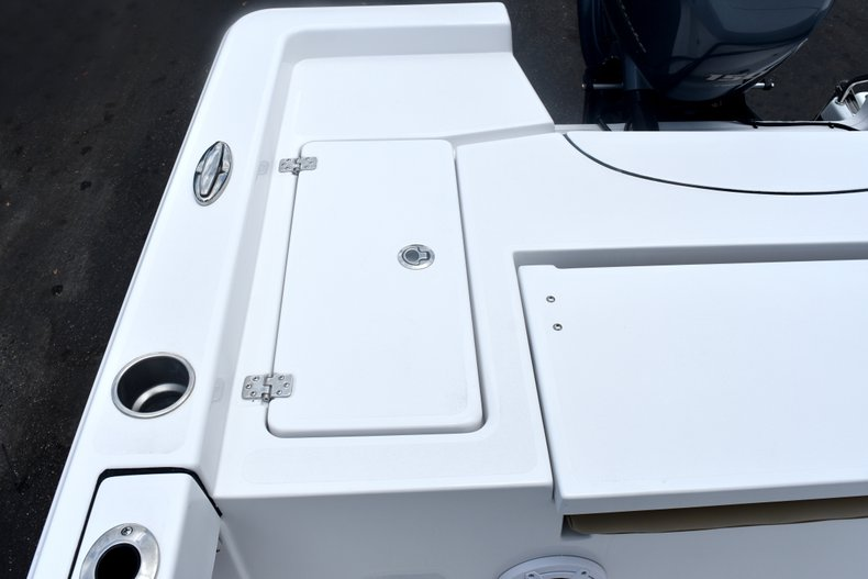 Thumbnail 10 for New 2019 Sportsman Masters 227 Bay Boat boat for sale in West Palm Beach, FL