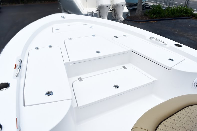 Thumbnail 43 for New 2019 Sportsman Masters 227 Bay Boat boat for sale in West Palm Beach, FL