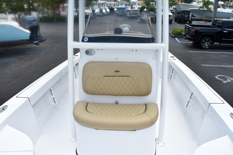 Thumbnail 44 for New 2019 Sportsman Masters 227 Bay Boat boat for sale in West Palm Beach, FL