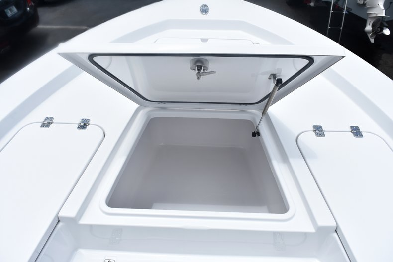 Thumbnail 54 for New 2019 Sportsman Masters 227 Bay Boat boat for sale in West Palm Beach, FL