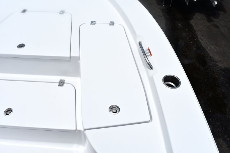 Thumbnail 49 for New 2019 Sportsman Masters 227 Bay Boat boat for sale in West Palm Beach, FL