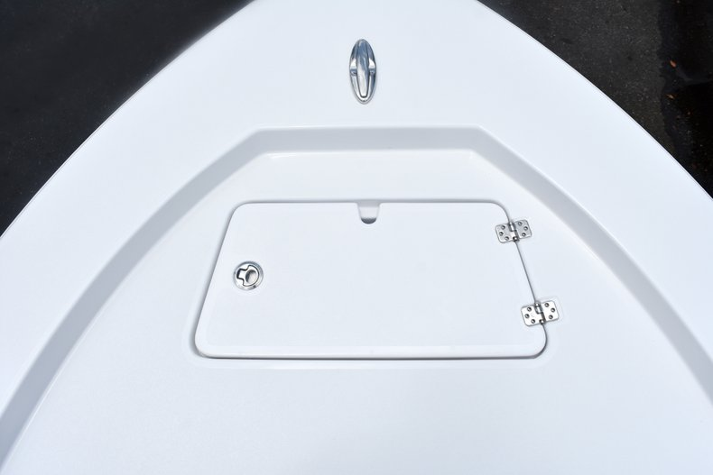 Thumbnail 55 for New 2019 Sportsman Masters 227 Bay Boat boat for sale in West Palm Beach, FL