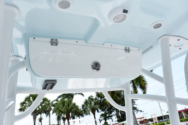 Thumbnail 25 for New 2019 Sportsman Masters 227 Bay Boat boat for sale in West Palm Beach, FL