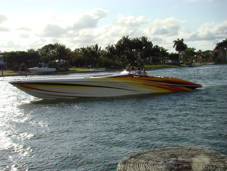 Thumbnail 6 for Used 2004 Hustler 50 Performance Yacht boat for sale in West Palm Beach, FL