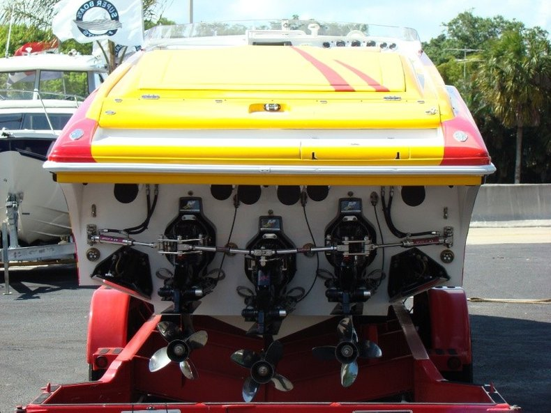 Thumbnail 18 for Used 2004 Hustler 50 Performance Yacht boat for sale in West Palm Beach, FL