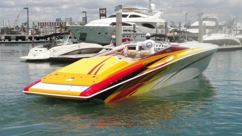 Thumbnail 27 for Used 2004 Hustler 50 Performance Yacht boat for sale in West Palm Beach, FL