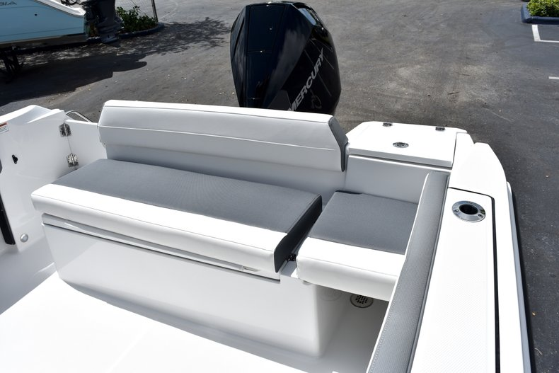 Thumbnail 23 for New 2019 Blackfin 212CC Center Console boat for sale in West Palm Beach, FL