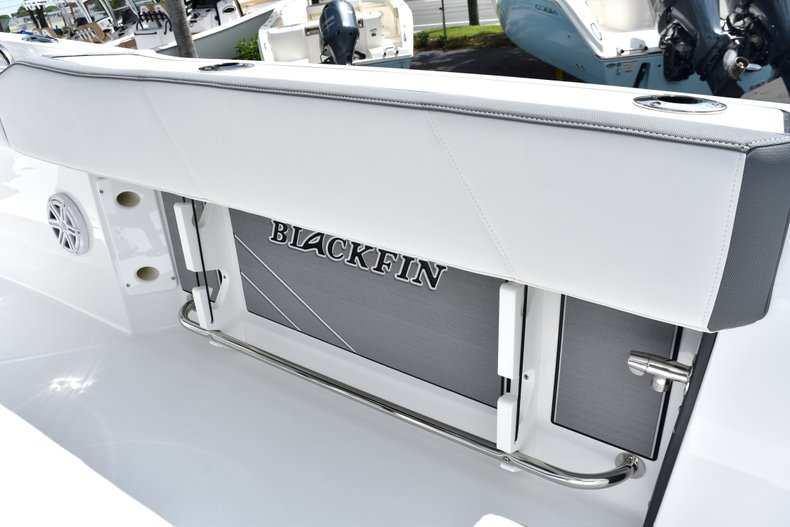 Thumbnail 21 for New 2019 Blackfin 212CC Center Console boat for sale in West Palm Beach, FL