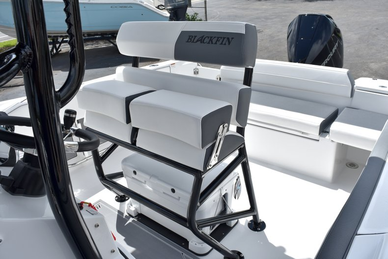 Thumbnail 27 for New 2019 Blackfin 212CC Center Console boat for sale in West Palm Beach, FL
