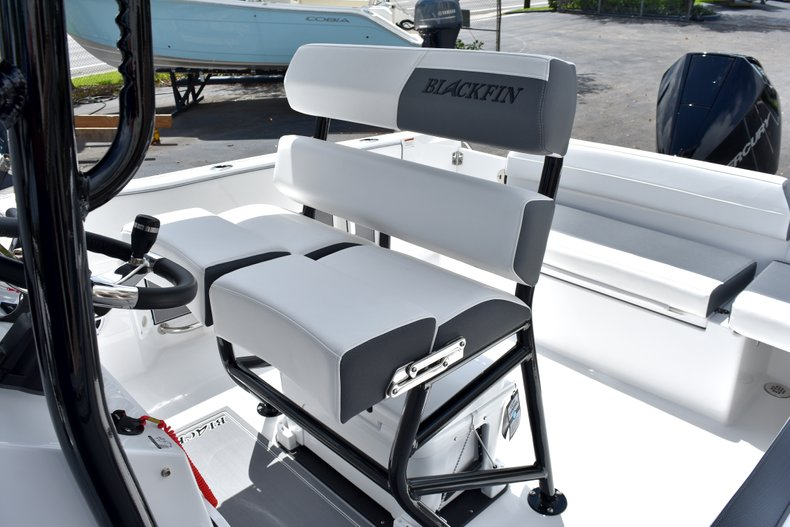 Thumbnail 28 for New 2019 Blackfin 212CC Center Console boat for sale in West Palm Beach, FL