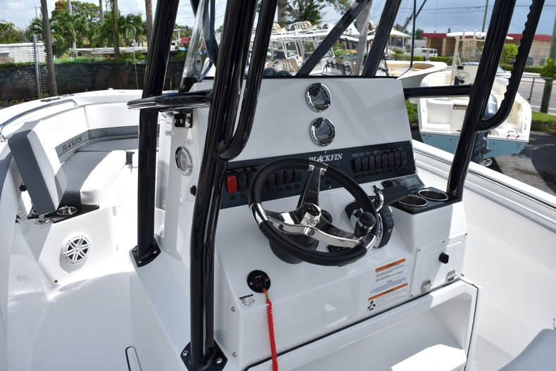 Thumbnail 34 for New 2019 Blackfin 212CC Center Console boat for sale in West Palm Beach, FL